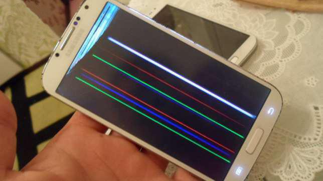 Экран смартфона белый что делать